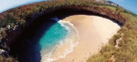 Η πιο όμορφη παραλία πάνω στη γη δημιουργήθηκε από…